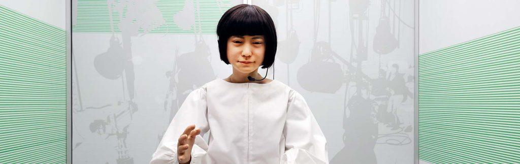 En humanoid robot som nyhetsuppläsare