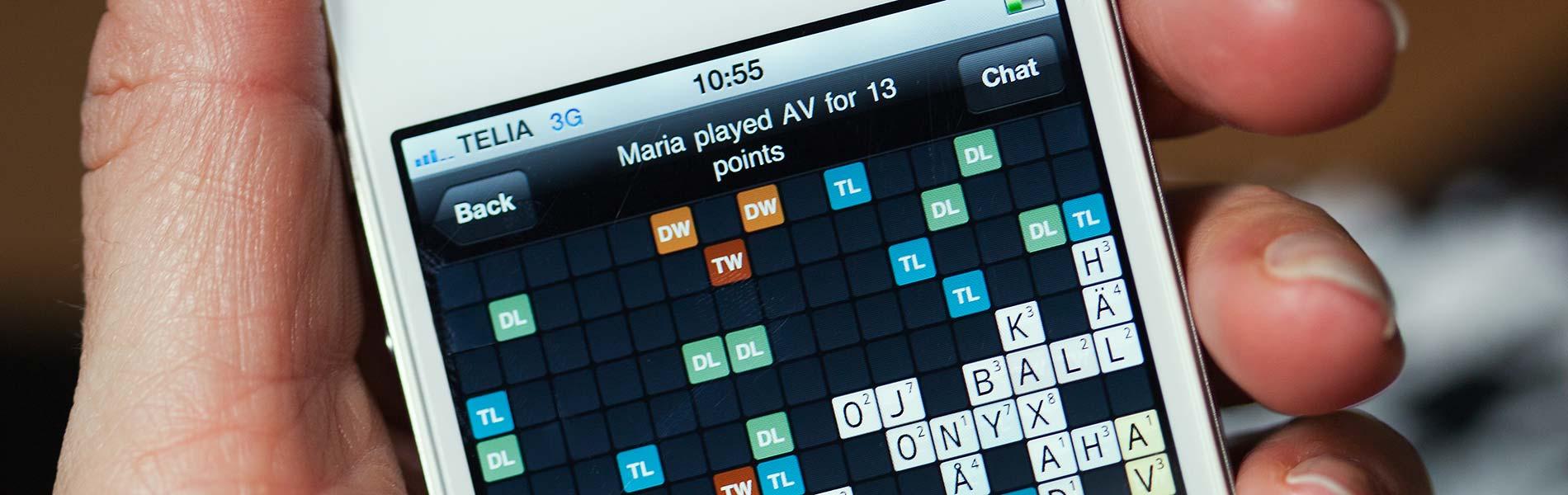 En smartphone-skärm med korsordspelet wordfued